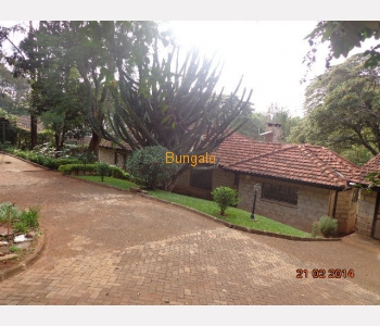 Single family executive 3 bedrooms bungalow +2sq on 1acre in laving ton